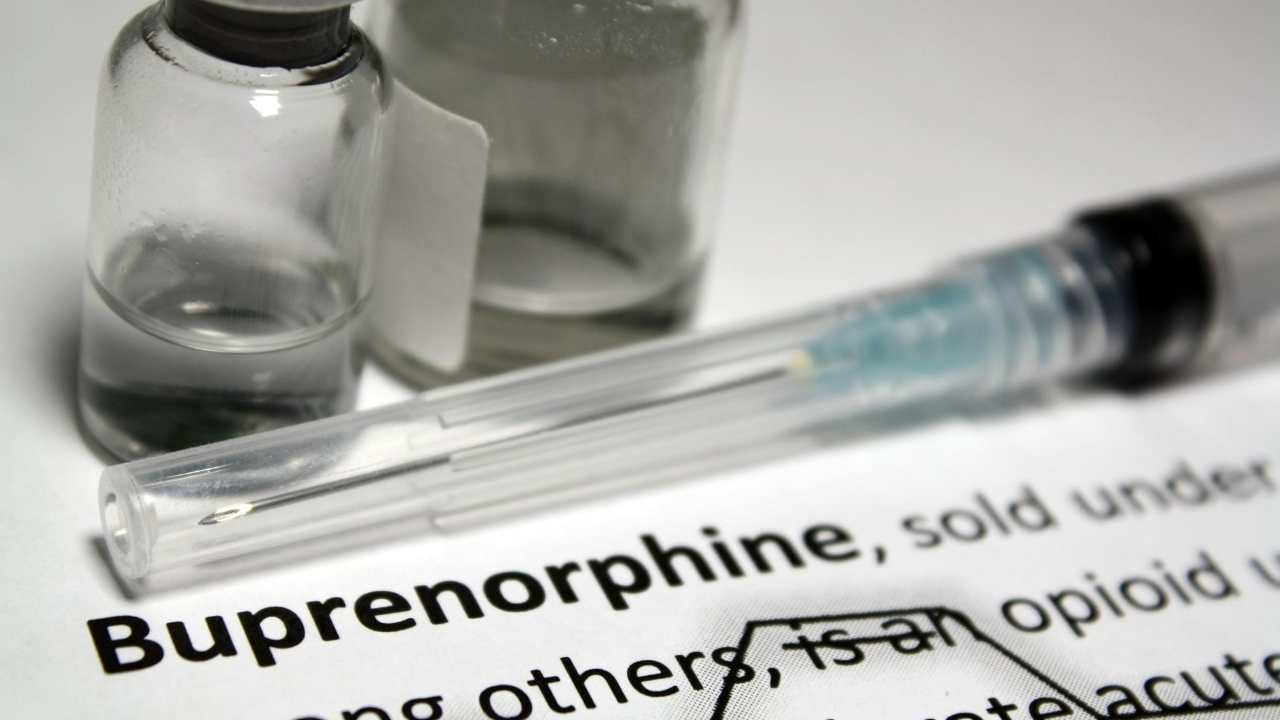 buprenorphine syringe and vial on medication directions